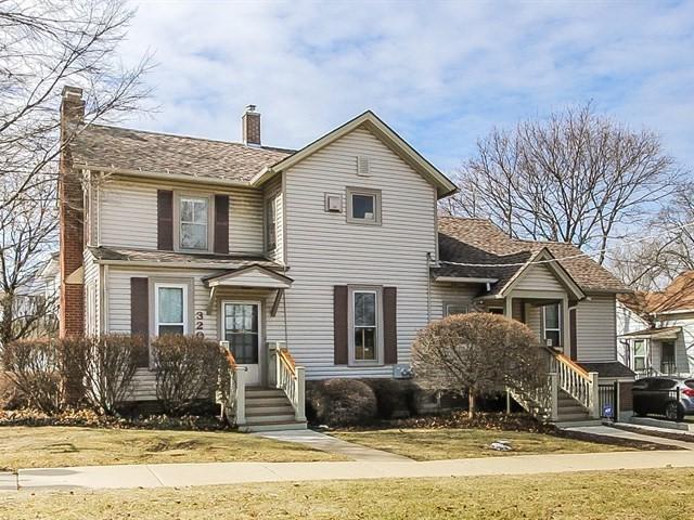 320 W Main Street, Barrington, IL 60010 (MLS #09885572) :: Littlefield Group