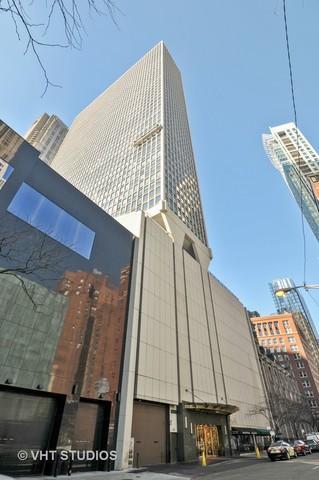 111 E Chestnut Street 26H, Chicago, IL 60611 (MLS #09886686) :: Berkshire Hathaway Koenig Rubloff - Carroll Real Estate Group
