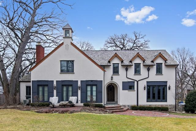 33 S County Line Road, Hinsdale, IL 60521 (MLS #09889443) :: The Jacobs Group