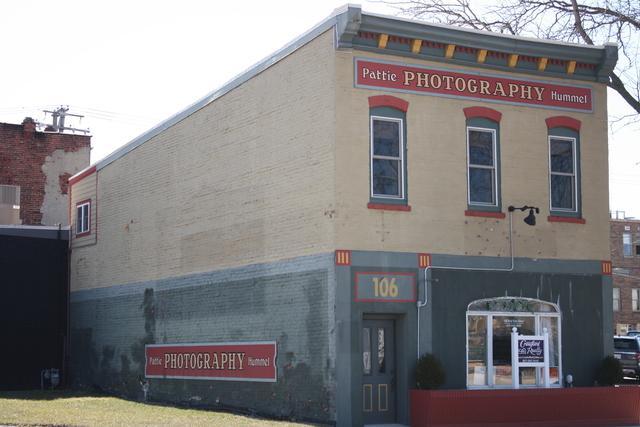 106 River Street, Dixon, IL 61021 (MLS #09891212) :: Key Realty