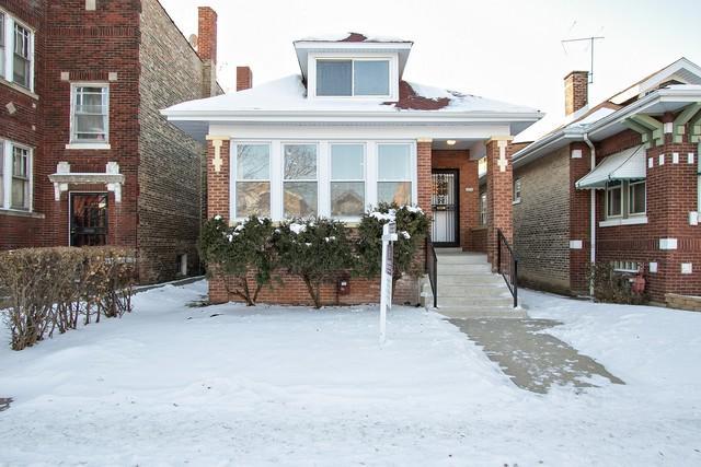 8230 S Laflin Street, Chicago, IL 60620 (MLS #09892641) :: Domain Realty
