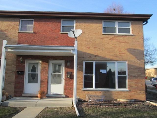 204 Linn Court A, North Aurora, IL 60542 (MLS #09893099) :: Domain Realty