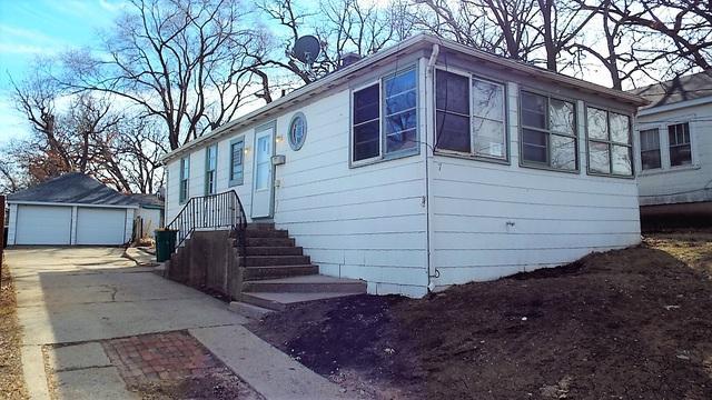 7 W Grand Avenue, Fox Lake, IL 60020 (MLS #09893887) :: Littlefield Group