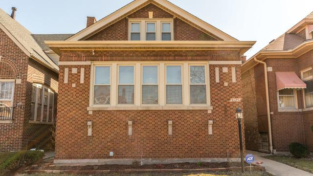 8125 S Rhodes Avenue, Chicago, IL 60619 (MLS #09893996) :: Domain Realty