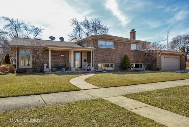 9444 Oliphant Avenue, Morton Grove, IL 60053 (MLS #09894156) :: Domain Realty