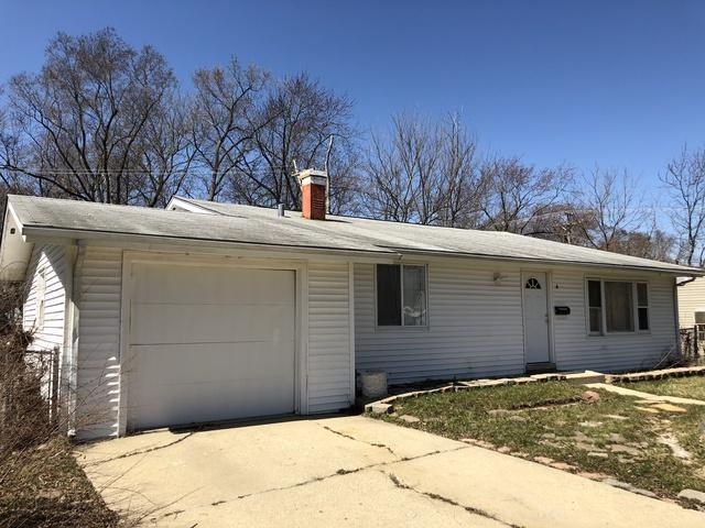 4 Alameda Drive, Carpentersville, IL 60110 (MLS #09908834) :: Lewke Partners