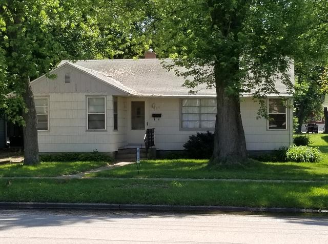 309 Locust Street, Prophetstown, IL 61277 (MLS #09913709) :: The Dena Furlow Team - Keller Williams Realty