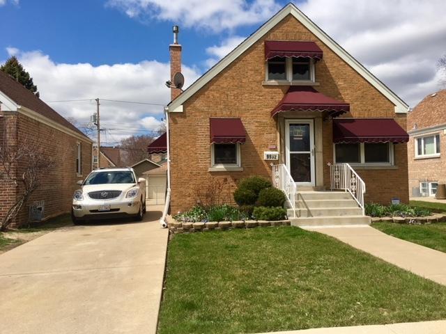 9932 Turner Avenue S, Evergreen Park, IL 60805 (MLS #09918573) :: Lewke Partners