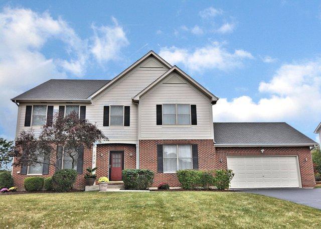 1370 Hunters Ridge W, Hoffman Estates, IL 60192 (MLS #09918731) :: Lewke Partners