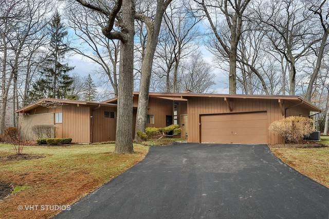22 Oxford Drive, Lincolnshire, IL 60069 (MLS #09919040) :: Helen Oliveri Real Estate