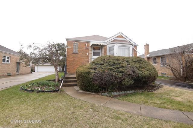 7826 N Nora Avenue, Niles, IL 60714 (MLS #09922275) :: Helen Oliveri Real Estate