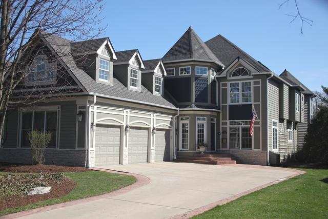 262 E South Street, Elmhurst, IL 60126 (MLS #09924746) :: Lewke Partners