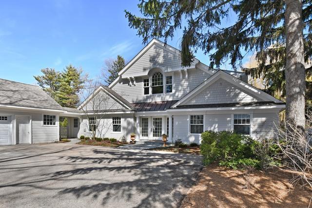 525 Golf Lane, Lake Forest, IL 60045 (MLS #09925927) :: Lewke Partners
