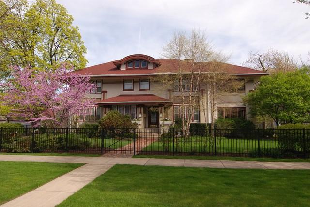 703 N East Avenue, Oak Park, IL 60302 (MLS #09926911) :: Lewke Partners