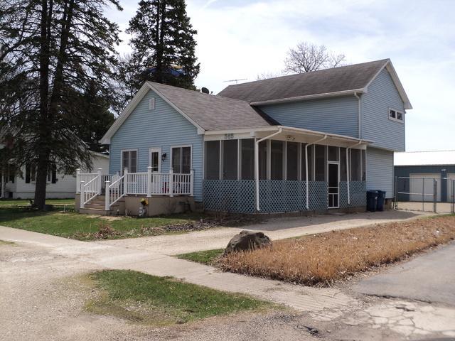 365 Wiley Avenue, Paw Paw, IL 61353 (MLS #09930125) :: The Dena Furlow Team - Keller Williams Realty