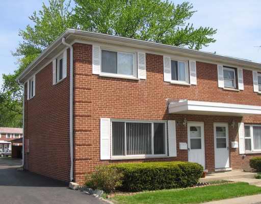 1172 N Boxwood Drive, Mount Prospect, IL 60056 (MLS #09932389) :: Lewke Partners