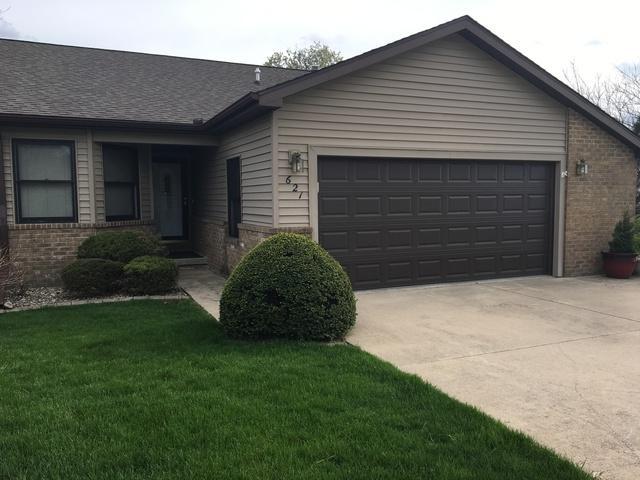 621 Meadows Court 2R, Rantoul, IL 61866 (MLS #09939779) :: Ryan Dallas Real Estate