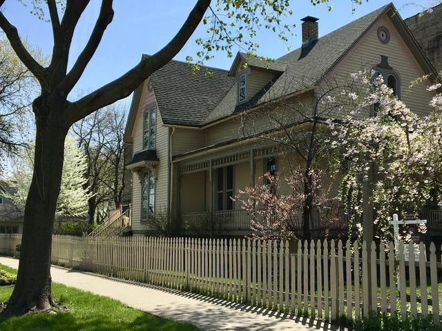 3857 N Kedvale Avenue, Chicago, IL 60641 (MLS #09939827) :: Domain Realty