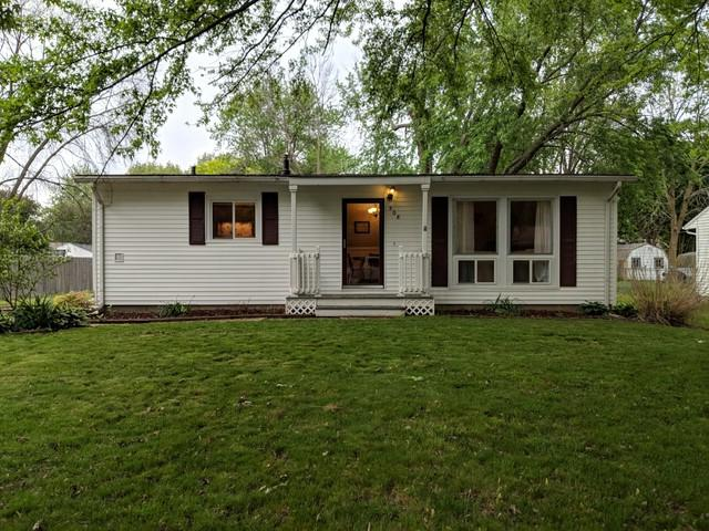508 Stout Street, ST. JOSEPH, IL 61873 (MLS #09950310) :: Ryan Dallas Real Estate