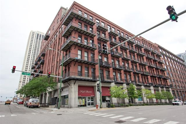 616 W Fulton Street #610, Chicago, IL 60661 (MLS #09959505) :: The Saladino Sells Team