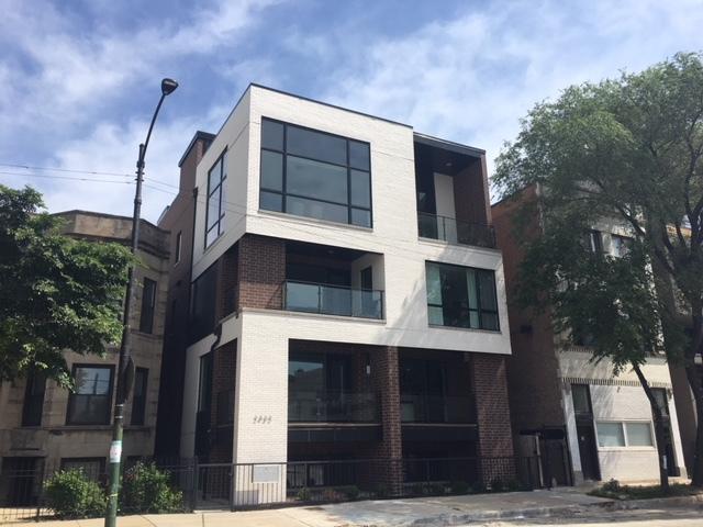 2432 W Chicago Avenue 1S, Chicago, IL 60622 (MLS #09970056) :: The Perotti Group