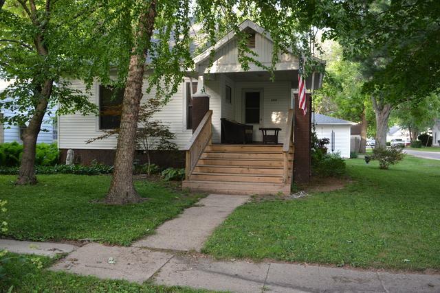 309 S Hopkins Street, NEWMAN, IL 61942 (MLS #09975209) :: MKT Properties | Keller Williams