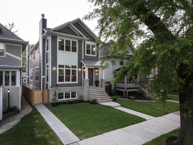 3838 N Kenneth Avenue, Chicago, IL 60641 (MLS #09977703) :: Domain Realty