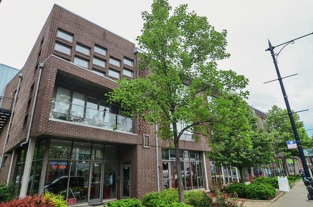2140 W North Avenue 3R, Chicago, IL 60647 (MLS #09984384) :: Property Consultants Realty