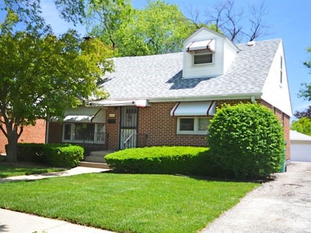 1413 Heidorn Avenue, Westchester, IL 60154 (MLS #09984989) :: The Dena Furlow Team - Keller Williams Realty