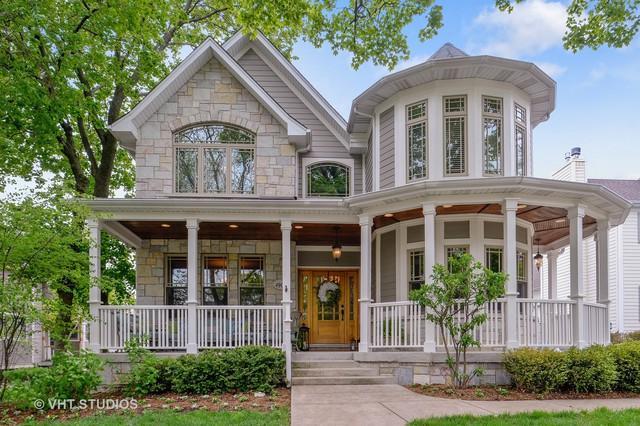 4904 Highland Avenue, Downers Grove, IL 60515 (MLS #09989328) :: The Dena Furlow Team - Keller Williams Realty