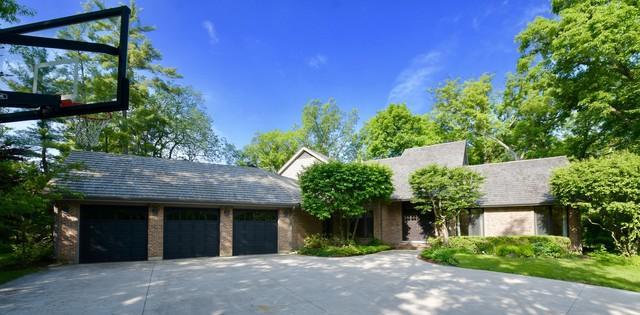 1330 Estate Lane, Lake Forest, IL 60045 (MLS #09989526) :: The Dena Furlow Team - Keller Williams Realty