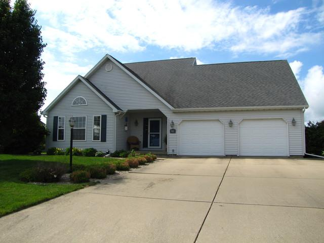 903 Pheasant Run Road, Tuscola, IL 61953 (MLS #09994211) :: Littlefield Group