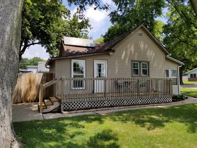 302 N Chase Street, MONTICELLO, IL 61856 (MLS #09999105) :: Ryan Dallas Real Estate