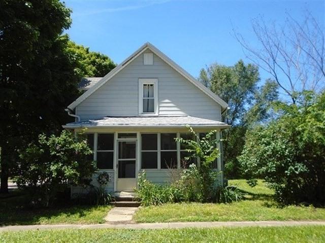 200 Trenton Street, Depue, IL 61322 (MLS #10006854) :: Ani Real Estate