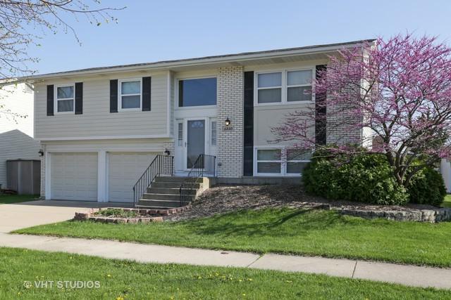 1335 Westbury Drive, Hoffman Estates, IL 60192 (MLS #10011402) :: Baz Realty Network | Keller Williams Preferred Realty