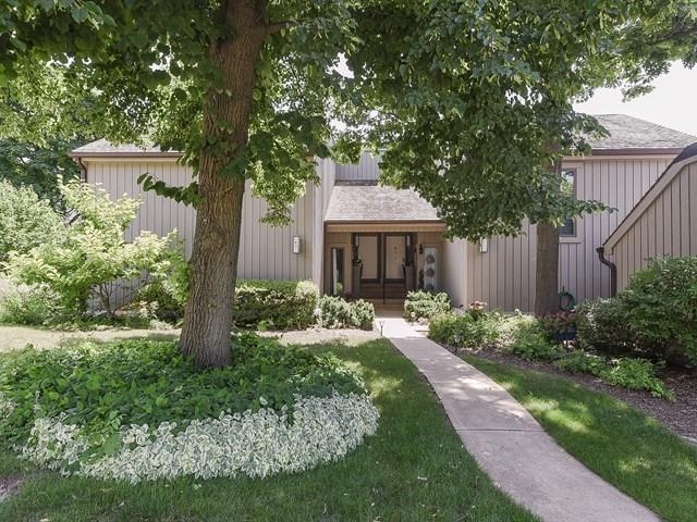 97B W Thornhill Lane #97, Lake Barrington, IL 60010 (MLS #10016139) :: Domain Realty