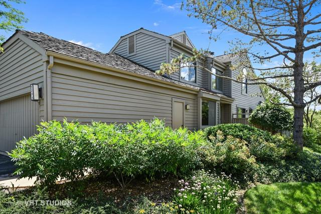 2384 W Oak Hill Road, Lake Barrington, IL 60010 (MLS #10018001) :: Domain Realty