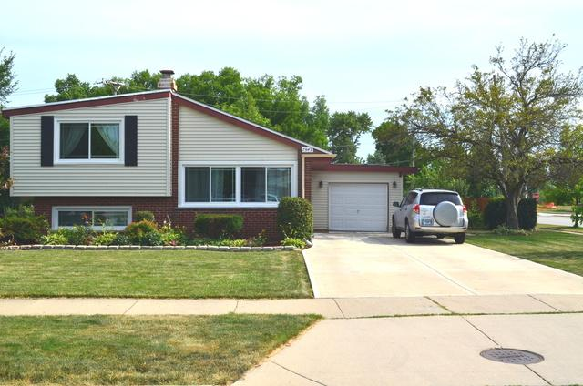 7549 Wilson Terrace, Morton Grove, IL 60053 (MLS #10018722) :: Helen Oliveri Real Estate