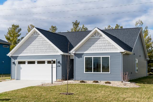 2710 E Stone Creek Boulevard, Urbana, IL 61802 (MLS #10045977) :: Ryan Dallas Real Estate