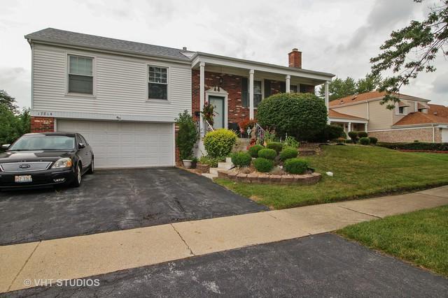 17814 Ridgewood Drive, Hazel Crest, IL 60429 (MLS #10047829) :: Domain Realty