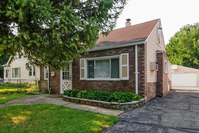 10429 W Medill Avenue, Melrose Park, IL 60164 (MLS #10048912) :: Domain Realty