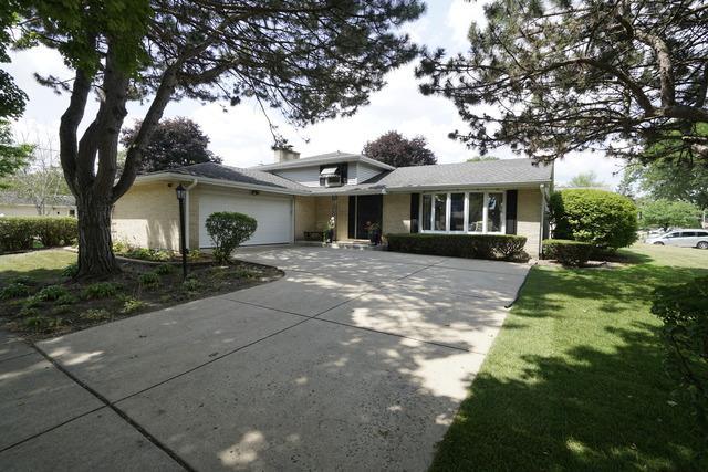 1430 N Columbine Drive, Mount Prospect, IL 60056 (MLS #10050384) :: Littlefield Group