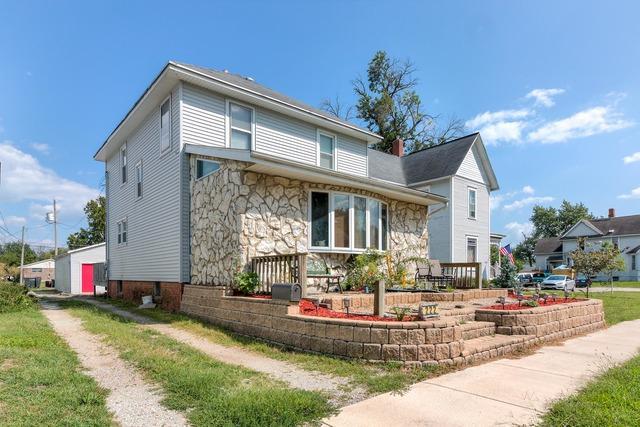222 S Sangamon Avenue, Gibson City, IL 60936 (MLS #10051057) :: Ryan Dallas Real Estate