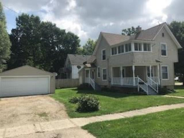 120 W Jackson Street, Belvidere, IL 61008 (MLS #10052651) :: The Jacobs Group