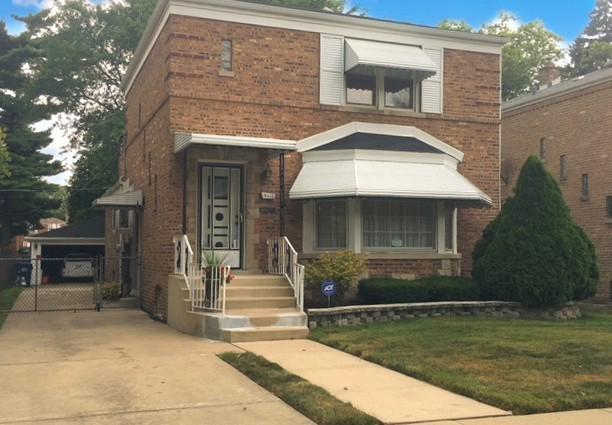 9112 S Utica Avenue, Evergreen Park, IL 60805 (MLS #10053427) :: Littlefield Group