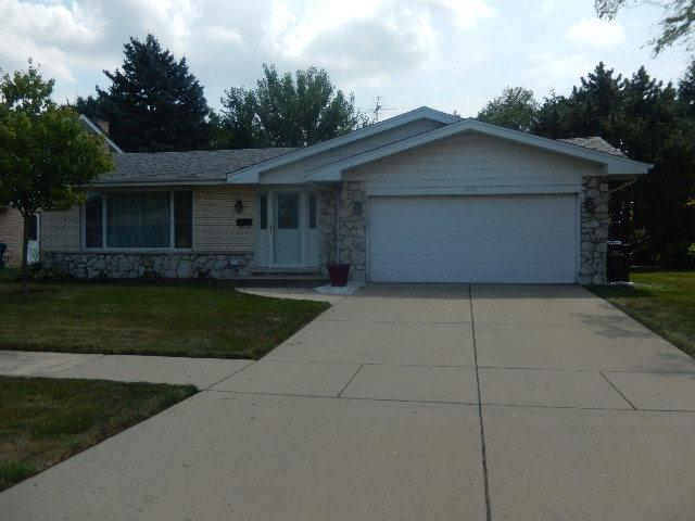 1229 E 165TH Place, South Holland, IL 60473 (MLS #10053497) :: The Jacobs Group