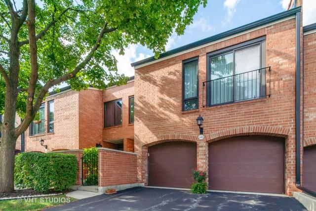19W234 Gloucester Way, Oak Brook, IL 60523 (MLS #10062490) :: Baz Realty Network | Keller Williams Preferred Realty