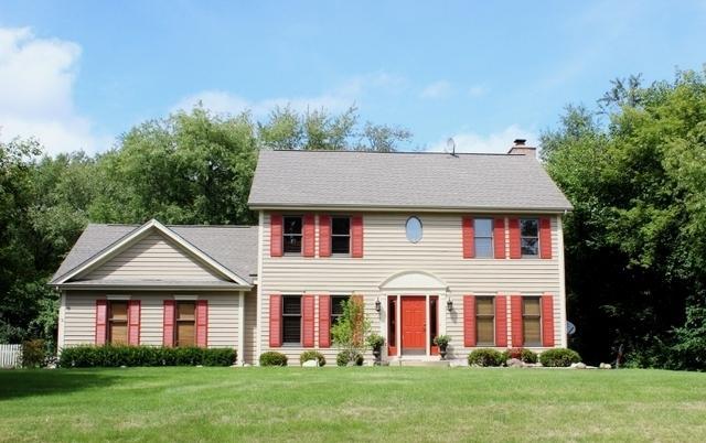 1406 Augusta Way, Spring Grove, IL 60081 (MLS #10068819) :: Lewke Partners