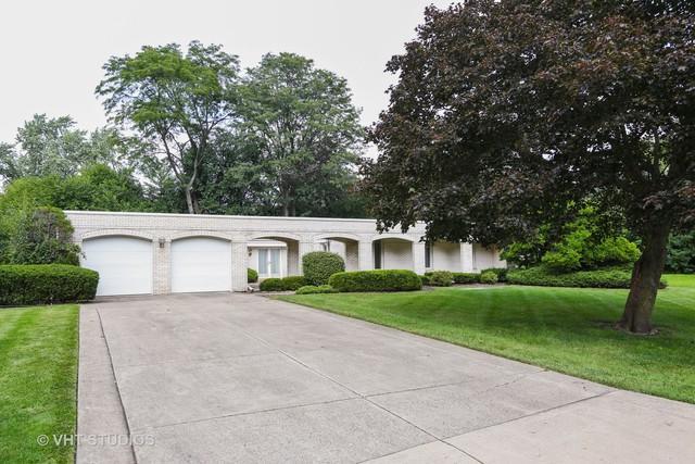 27 Mockingbird Lane, Oak Brook, IL 60523 (MLS #10069950) :: The Saladino Sells Team