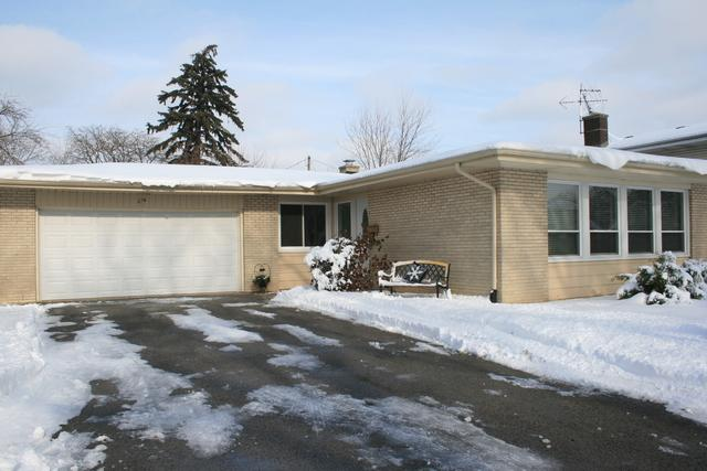 276 Diamond Head Drive, Des Plaines, IL 60018 (MLS #10076294) :: Ryan Dallas Real Estate